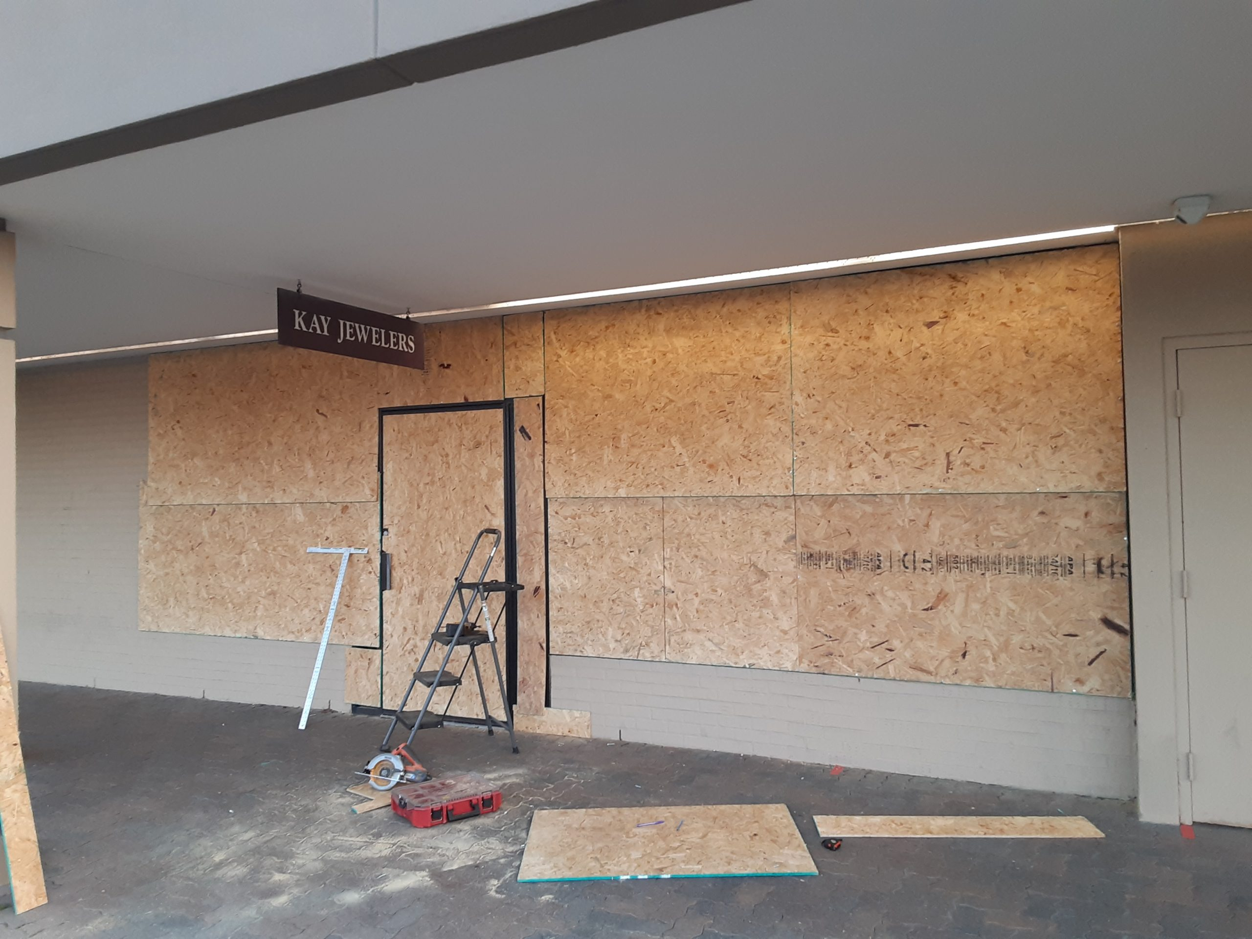 Locksmith board ups in Louisville, KY